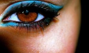 black eyeliner + bright color eyeliner