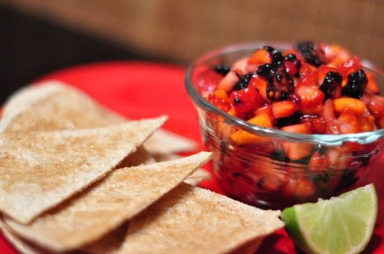 Cinnamon Sugar Pita Chips with Fruit Salsa - healthy dessert train is leaving the station.