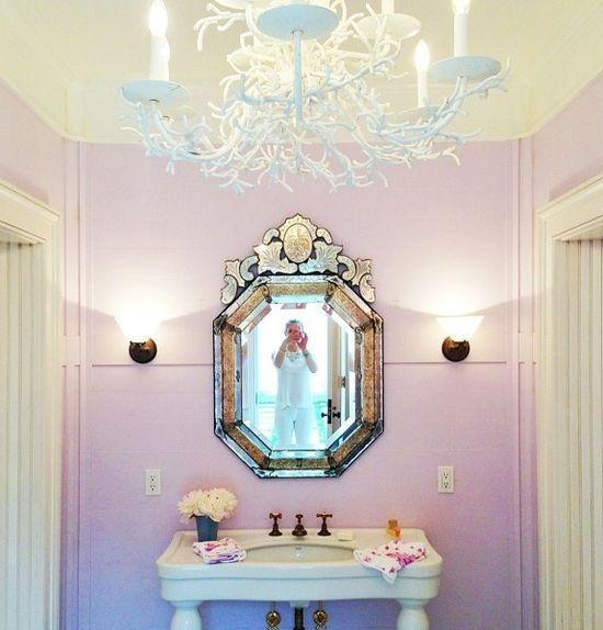 Little girl's bathroom