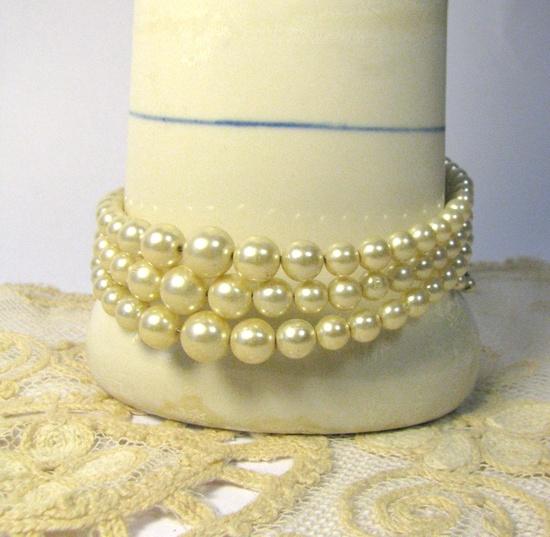 1950s Pearl 3 Strand Bracelet Graduated Faux by MolecularModern