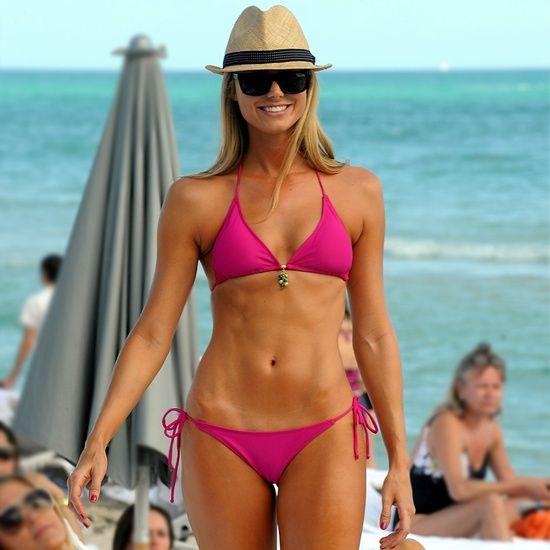 Try This Bikini Abs Series From Pink and Stacy Keibler's Trainer! - It takes more than just crunches to create a strong core and toned abs.