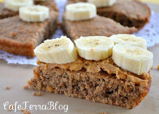 Quinoa Banana Nut Quick Bread Bars from @cafeterrablog