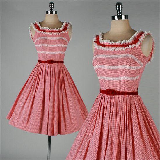 vintage 1950s dress, red white gingham #dress #retro #vintage #feminine #classic #fashion