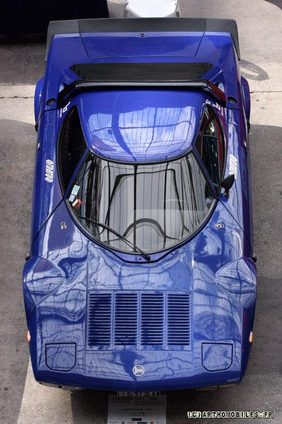 Stratos blue car