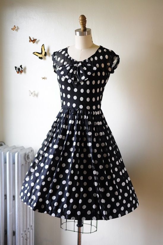 Lovely 50's dress.