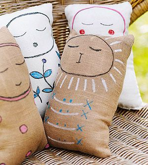 A simple sewing project for kids — these stuffed pals are perfect for beginners. #KidsStuffWorld