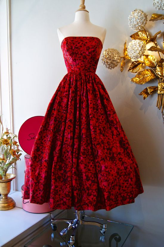 Vintage 1950s Dress // 50's Silk Watercolor  #retro #vintage #feminine #classic #beauty #fashion #dress