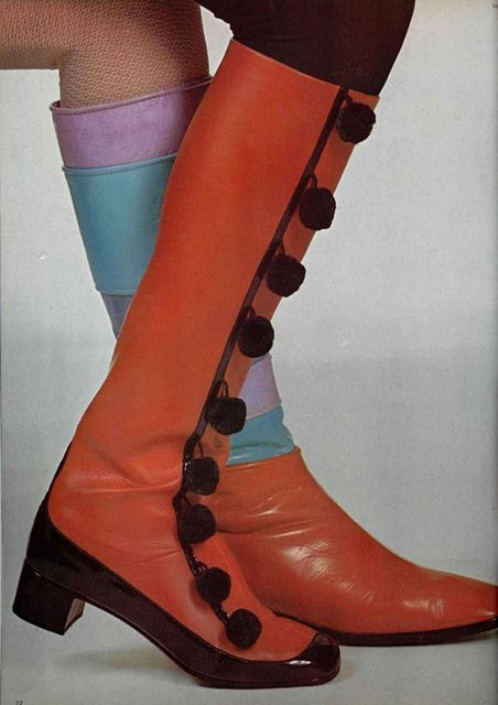 60s fashion - Buttoned boots