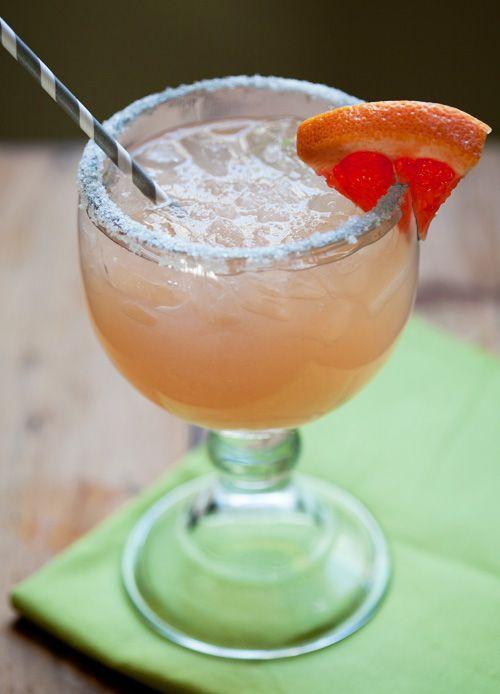 Skinny Grapefruit Margarita!
