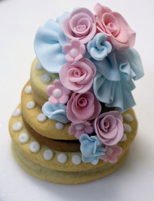Ruffle cookies by Icing Bliss, via Flickr