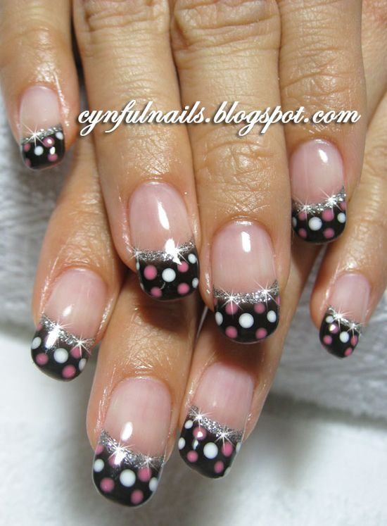 omg i LOVE!!! pretty polkadot nails with sparkly trim.