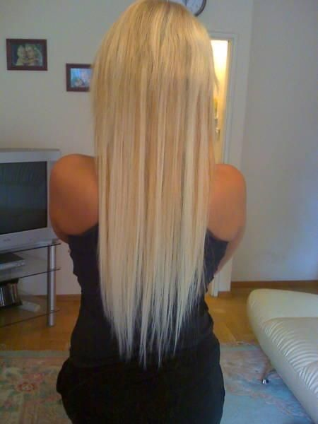 straight long blond hair! love how long her hair is!