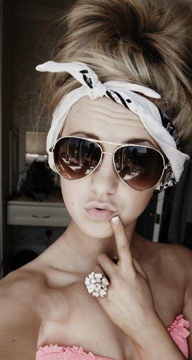 #messy #hair #bun #sunglasses #summer #cute #style