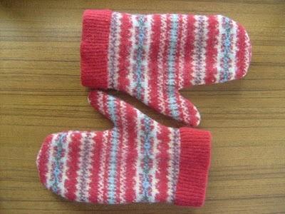 Elizabeth Abernathy: Last Minute Handmade Gift Idea #5: Recycled Wool Sweater Felt Mittens