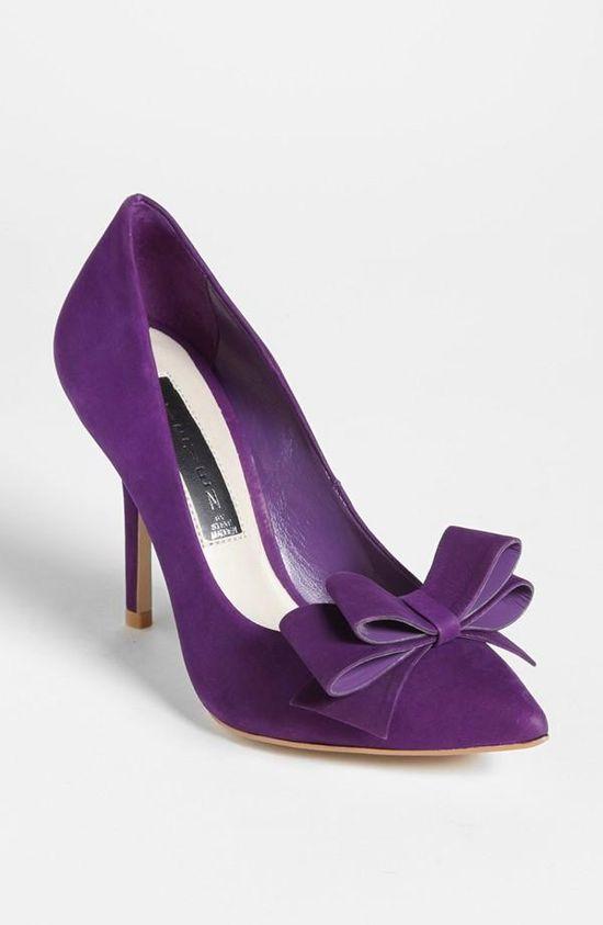 Gorgeous purple bow pump