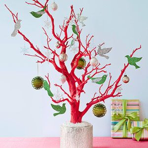 The Unexpected Tree: A Modern Twist on Christmas Decorating:  Non-Traditional Tree... by www.lhj.com