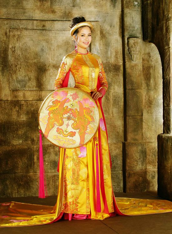 Vietnamese dress (ao dai) - something a bit different.