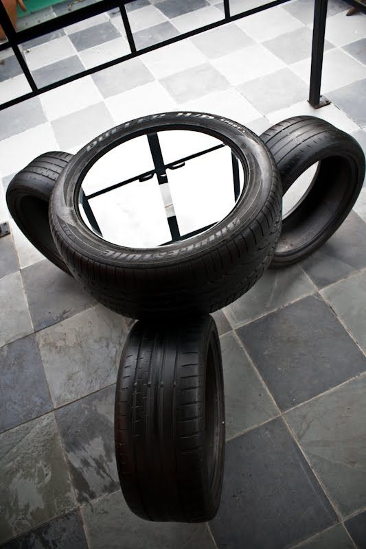 Creative and Cool Ways to Reuse Old Tires (33) 24. Not exactly motorcycle tires but could be. COFFEE TABLE