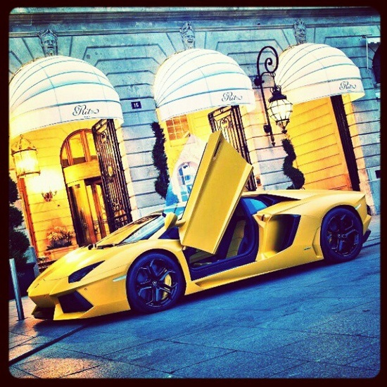 Tea at the Ritz - Lamborghini Aventador parked outside