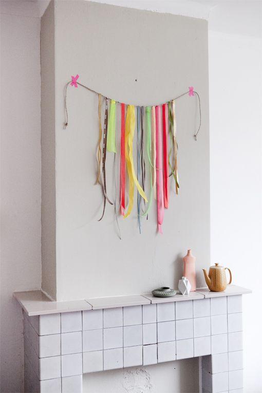 fun garland with ribbon and washi tape - kadodesign + wijzijkees