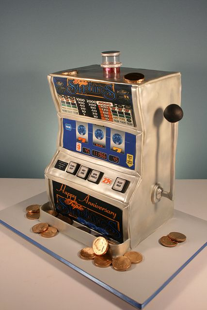 #KatieSheaDesign ?? ?  45th Sapphire Anniversary Slot Machine cake