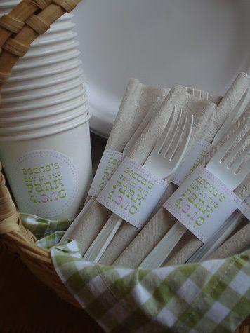 cute picnic basket cutlery idea