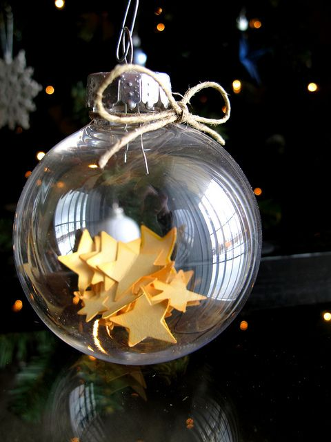 Mini Stars Glass Ornament -> Definitely a DIY project for next year's Christmas tree!