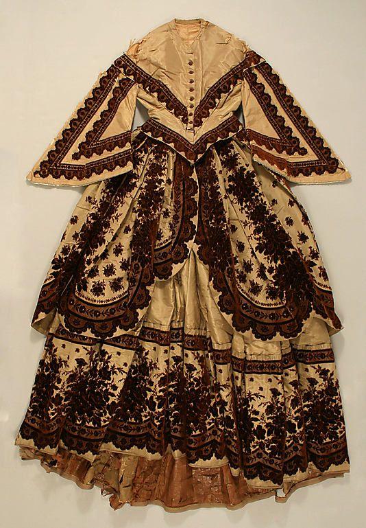Dress #1858 #1850s #French #VBT