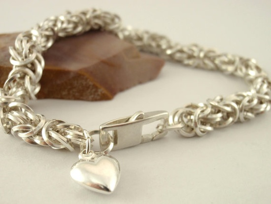 A Classic Silver Chain Bracelet with an Edge and Heart!