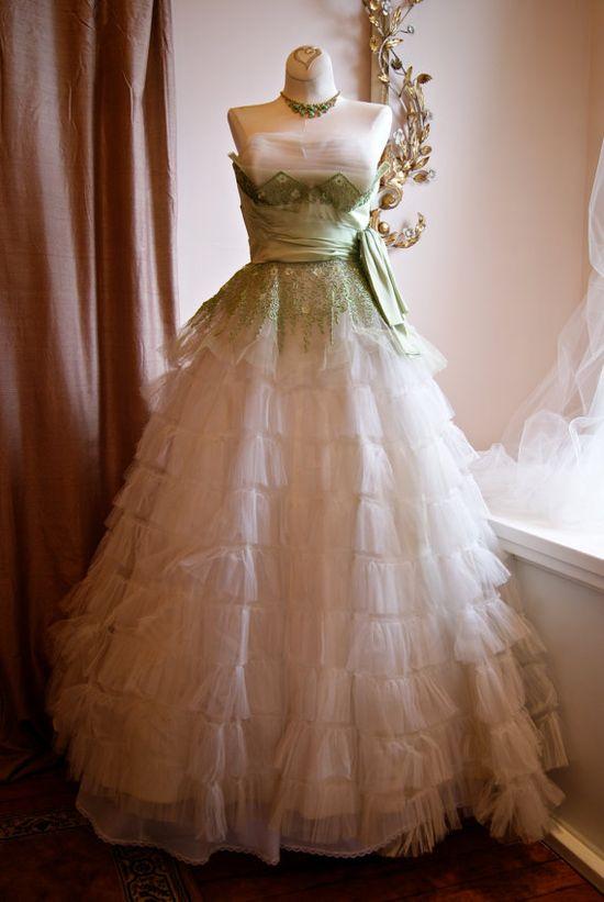 Wedding Dress / 50s Wedding Dress / Vintage 1950s by xtabayvintage, $495.00