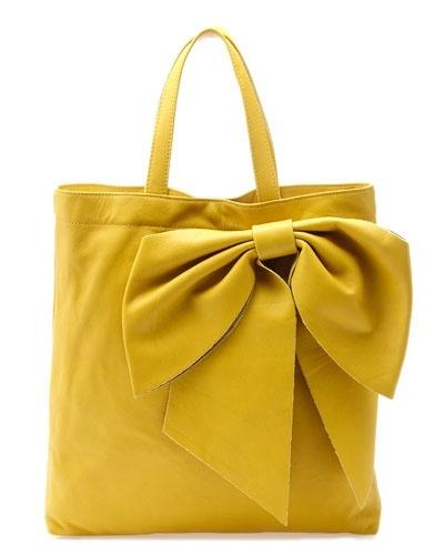 yellow handbag !