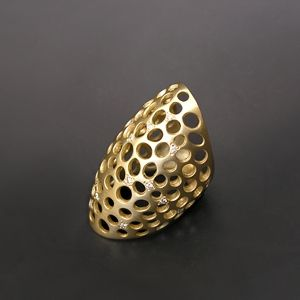 Raindrop diamond gold ring
