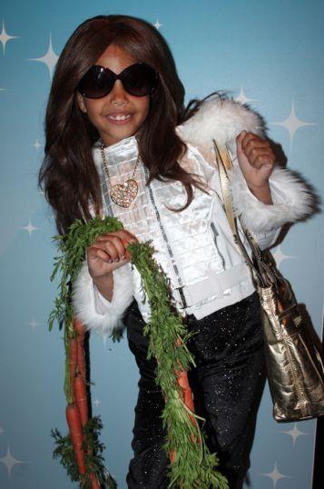 Funny Kids Halloweens Costumes: Kim Kardashian with her 15 Carrot Ring