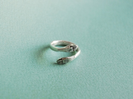 a hug for your finger // silver protective hand ring