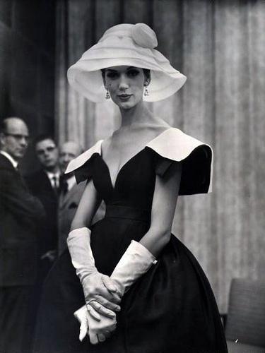 1959 LIFE - Simone D`Alliencourt