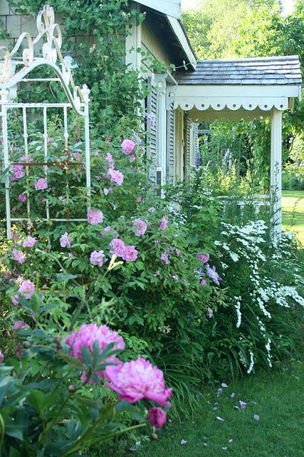 I just love this garden cottage