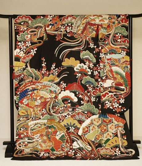 Silk furisode. Early 20th century, Japan.Japan Kimono Culture Museum