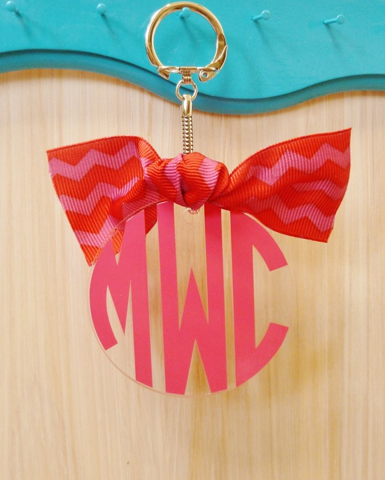 Acrylic Monogram Keychain. There's a bow!
