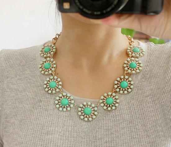 {bubble bib pendant necklace} *Lovely $14.99