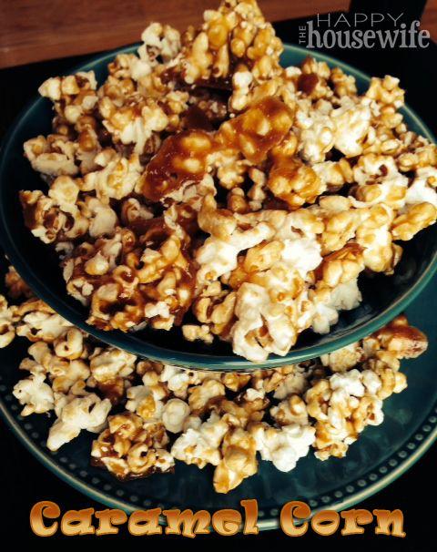 Homemade Caramel Corn - great holiday dessert or homemade Christmas gift!