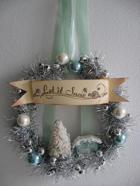 Wreath; pretty colors and vintage look