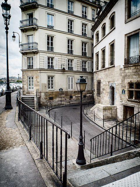 Paris, rue des Ursins, rue des Chantres, via Flickr.
