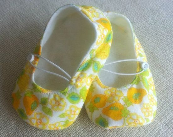 Going to a baby shower? Bring a hand made gift. Love the yellow floral