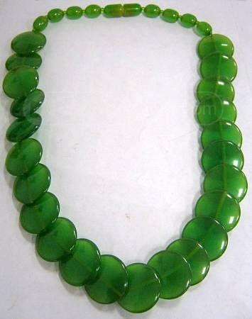 Art Deco Green BAKELITE Necklace