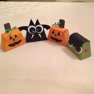 Halloween buddies made with SU petite purse die.