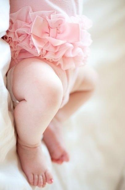 Chunky, sweet baby legs ! Love the light