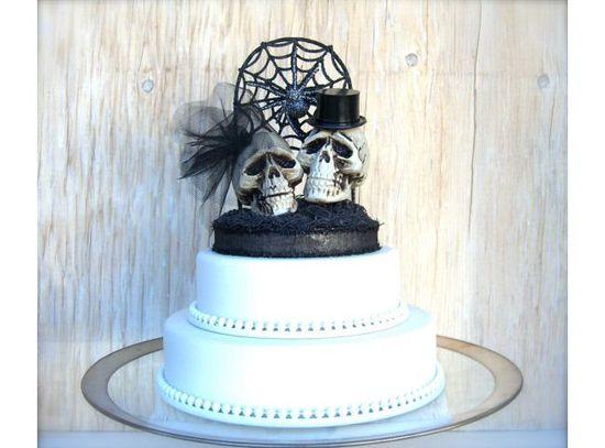 Spooky Wedding Ideas #Halloween