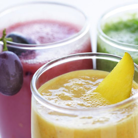 Tennis superstar Venus Williams shows you how to make her favorite Jamba Juice drink and explains why healthy smoothies are her go-to fuel on or off the court.