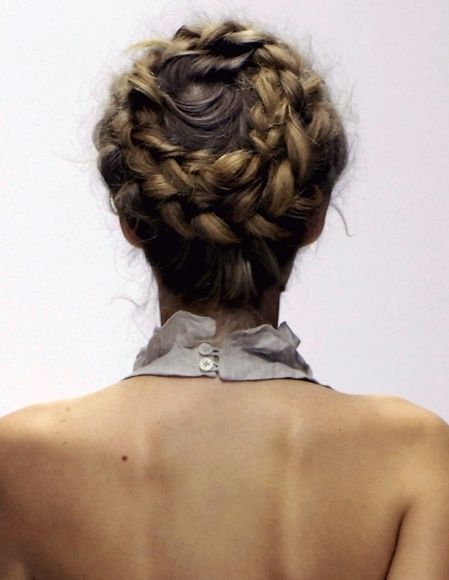 Party On! 12 Holiday Hairstyle Photo Tutorials