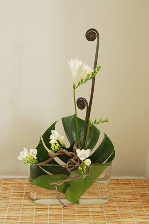 Ikebana by Karen Hsu of Grandiflora